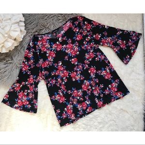 Ellen Tracy Bell flare Sleeve Floral Black Top XL